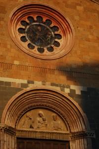 Opere contemporanee sulla facciata di S.Andrea