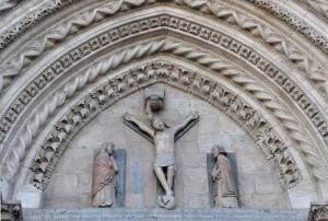 Crocifissione in lunetta tra le ogive gotiche