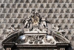 Decorazione scultorea del portale della chiesa del Gesù Nuovo a Napoli