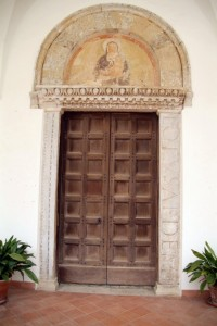 SS. Annunziata a Minuta - portale d'ingresso