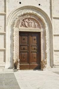 Il portale di San Rufino