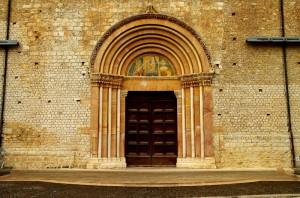 "La porta Santa "" La Perdonanza "" dopo il terremoto"