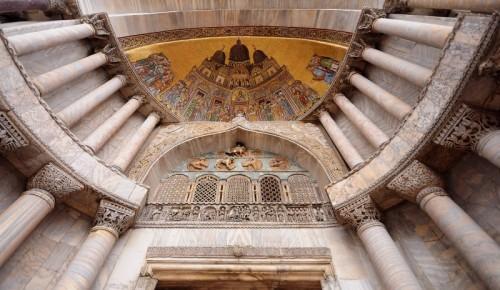 """Venezia - la """"Traslazione del corpo di San Marco"""" sul mosaico a Venezia -"""