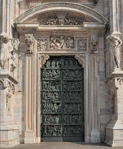Milano - Davanti a secoli di storia