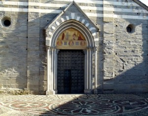 Basilica Romanico-Gotica ……
