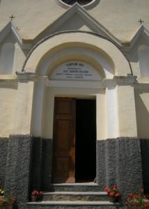 portale della parrocchiale di San Giacomo a Ferriere, frazione di Argentera