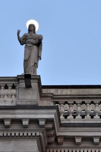 Trieste - Suvvia, non fare la santarellina!