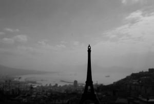 Nostalgia di casa (dalla Torre Eiffel si vede Napoli :) ! )