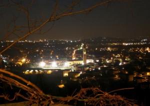 Vista notturna dal colle Santa Lucia