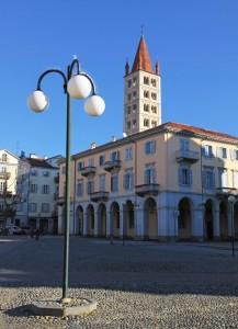 Biella, piazza Duomo e campanile di S.Stefano