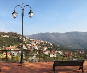 Diano Arentino visto dal belvedere di Piazza Santa Maria