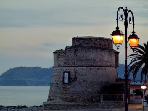 Alassio - luce sul torrione.....