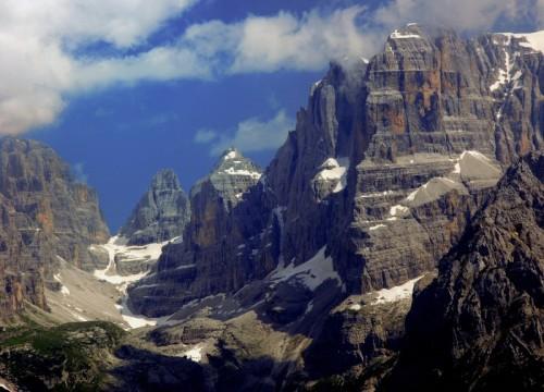 Ragoli - Catena degli Sfulmini e Crozzon del Brenta in estate