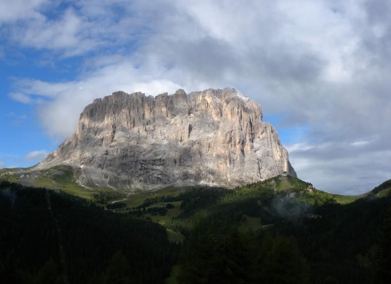 ''Il Sassolungo visto dal Passo Gardena'' - Selva di Val Gardena