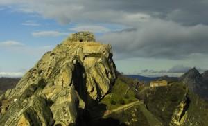 La pietra forata su in cima