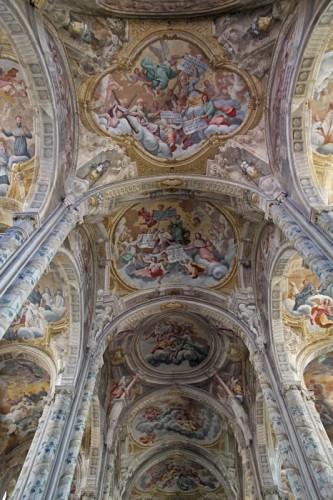 Asti - Navata centrale del Duomo di Asti