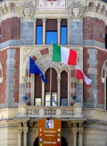 Legnano: il  tricolore sventola sul Municipio