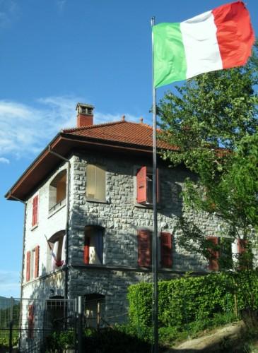 Uggiate-Trevano - Il tricolore del valico Pignora.