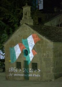 tricolore sull'oratorio di san rocco