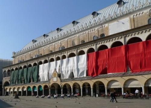 Padova - Un grande tricolore