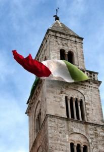 un vestito tricolore per il campanile della Chiesa Matrice di Palo