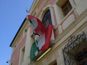 Tricolori a palazzo Girardi