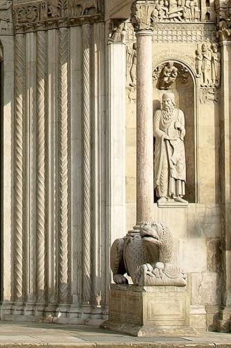 Fidenza - Tra Santi e colonne