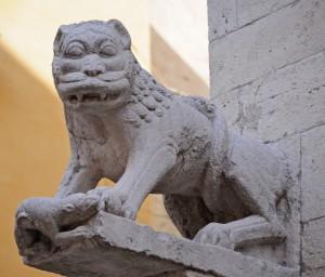un leone furioso