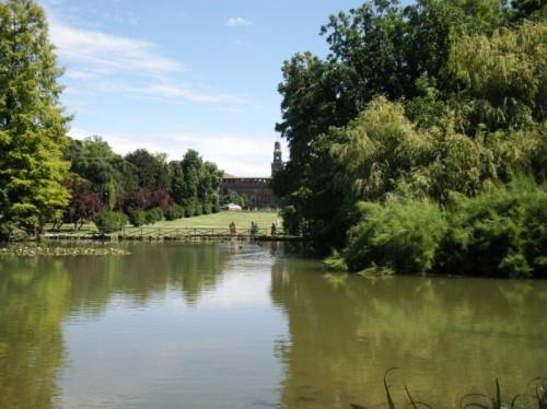 Milano - Il laghetto delle sirene al parco Sempione.