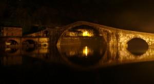 Ponte della Maddalena in una notte magica