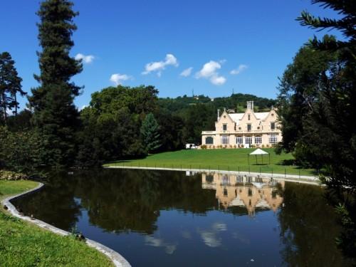 Sant'Olcese - il parco con lago,anatre e cigni....