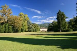 Prospetto sul parco e la Villa Reale di Marlia