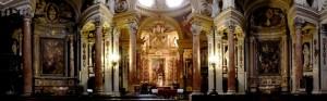 Panoramica interna della Real Chiesa di S. Lorenzo.