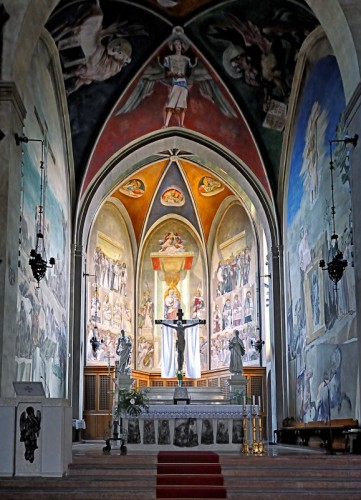 Sacile - Presbiterio tra luce e colori