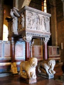L'Ambone del Duomo di Barga