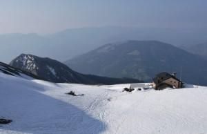 Rifugio Dal Piaz - l'ultima neve