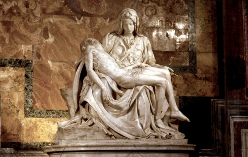 Roma - Dietro il vetro La Pietà di Michelangelo