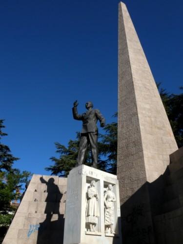Trento - Statisti,ombre e...obelischi