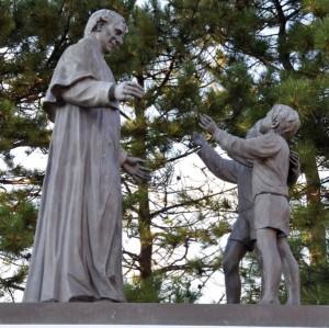 Don Bosco e i due pargoli