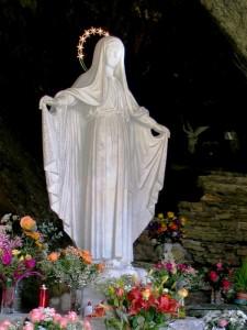 La bianca Madonna della grotta di Beaume - Fraz. di Oulx