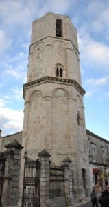 Campanile prismatico ottagonale per S. Michele arcangelo