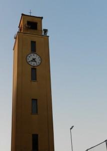 la semplice torre di Borgo San Donato