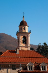 Spunta la torre dal tetto