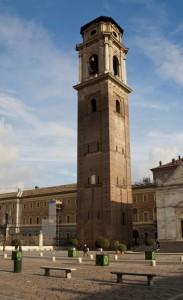 A fianco del Duomo