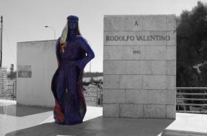 Monumento a Rodolfo Valentino