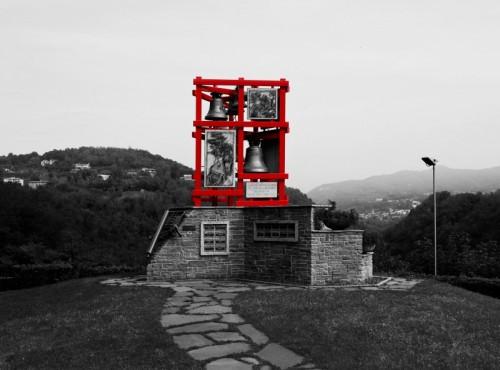 Paderno d'Adda - Groviglio rosso