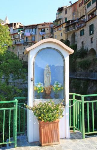Rocchetta Nervina - Edicola sul ponte