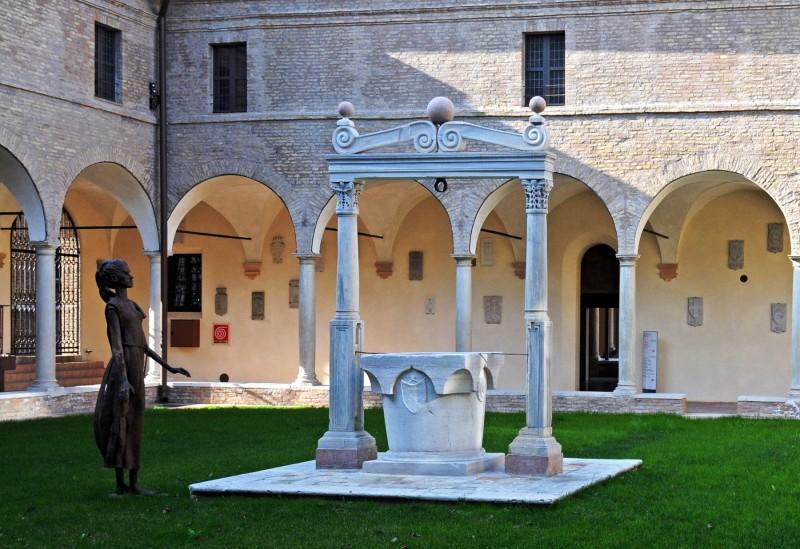''Nel chiostro'' - Ravenna