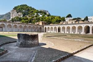 Certosa di San Giacomo, chiostro grande