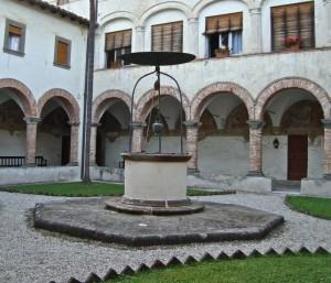 Nel convento francescano